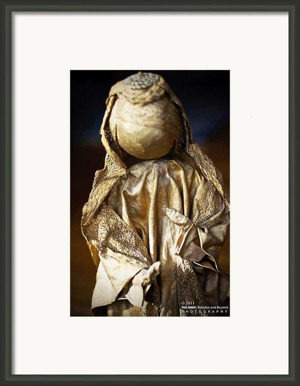 Christmas Angel Framed Print By Vicki Jauron