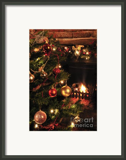 Christmas Round The Fire Framed Print By Andy Smy