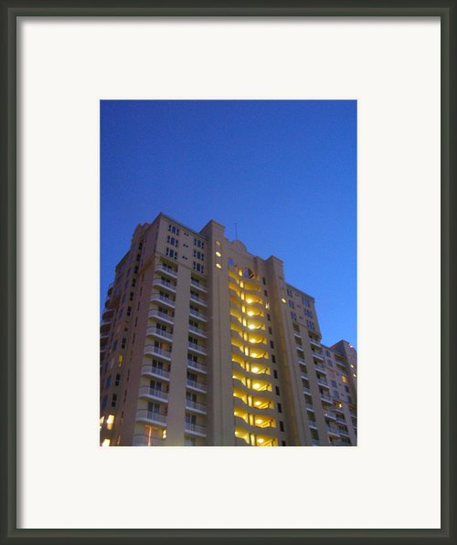Clear Blue Framed Print By Sandi Floyd