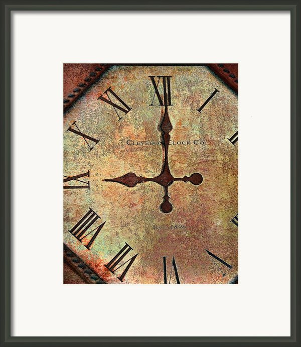 Clevedon Clock Framed Print By Robert Smith