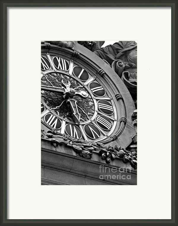 Clock Face Framed Print By Artyzen Studios