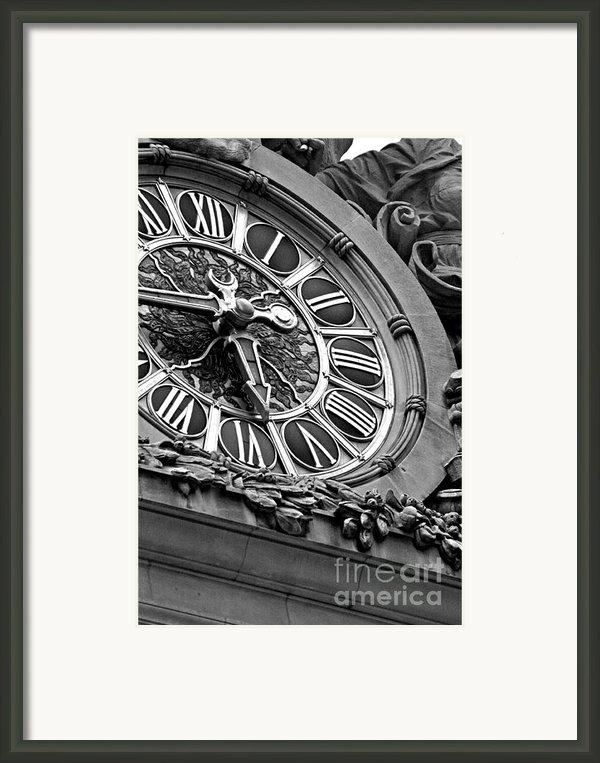 Clock Face Framed Print By Artyzen Studios