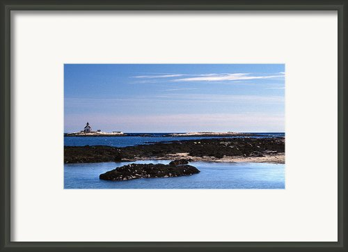 Cuckolds Lighthouse Framed Print By Skip Willits