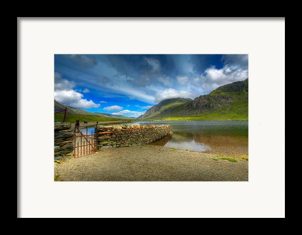 Cwm Idwal Framed Print By Adrian Evans