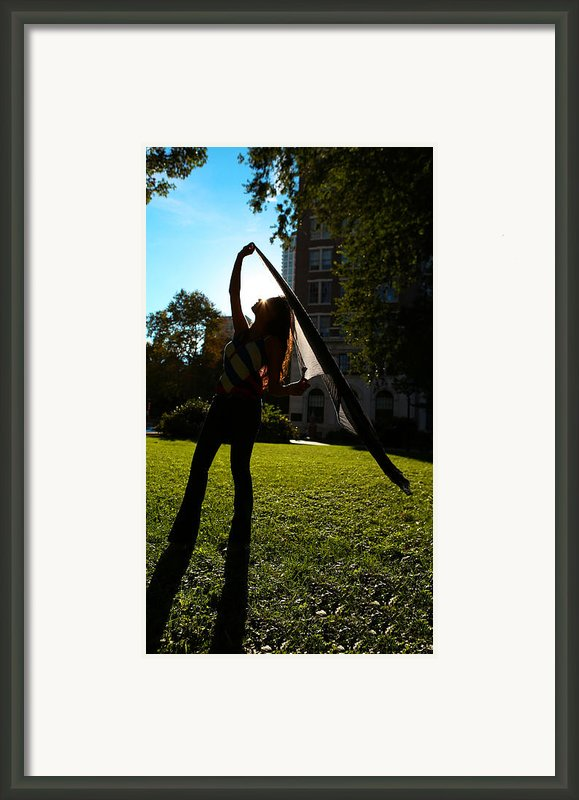 Dancing With The Sunset - Philadelphia - Pensilvania - Sunset Framed Print By Lee Dos Santos