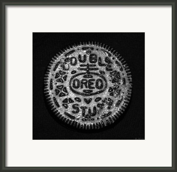 Doulble Stuff Oreo In Black And White Framed Print By Rob Hans