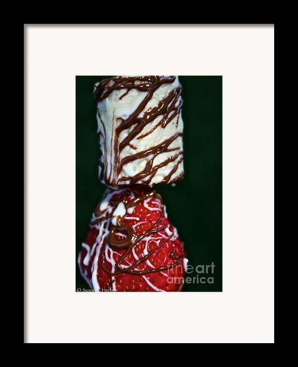 Drizzle Dripping Framed Print By Susan Herber