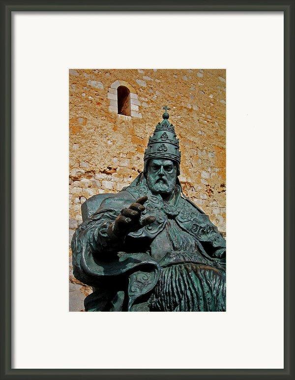 El Papa Luna ... Framed Print By Juergen Weiss