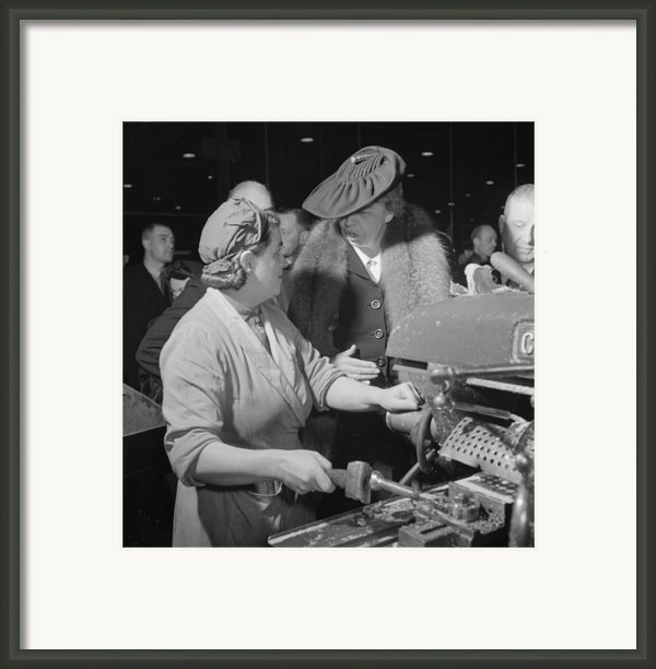 Eleanor Roosevelt Talking With Woman Framed Print By Everett
