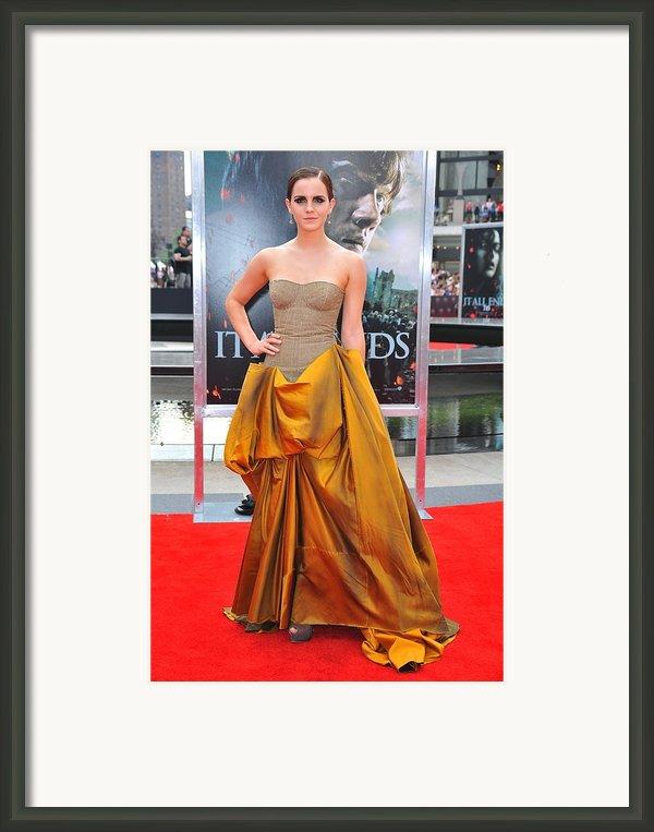 Emma Watson Wearing A Bottega Veneta Framed Print By Everett