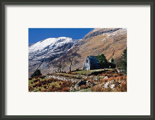 Exterior Of Rustic Home Framed Print By Gareth Mccormack