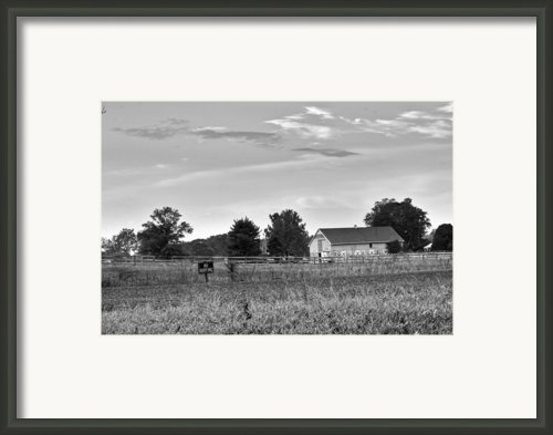 Farmhouse 4 Framed Print By Robert Jones