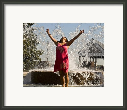 Femme Fountain Framed Print By Al Powell Photography Usa