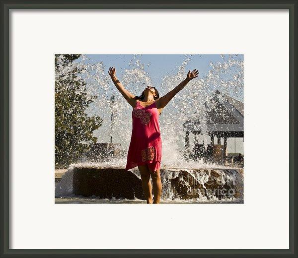 Femme Fountain Framed Print By Al Powell Photography Usa