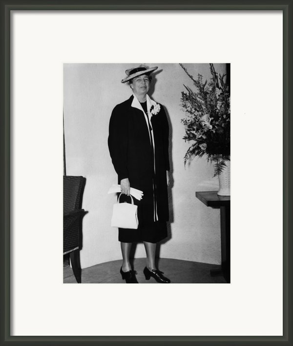 First Lady Eleanor Roosevelt, Wearing Framed Print By Everett