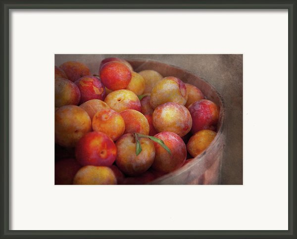 Food - Peaches - Farm Fresh Peaches  Framed Print By Mike Savad