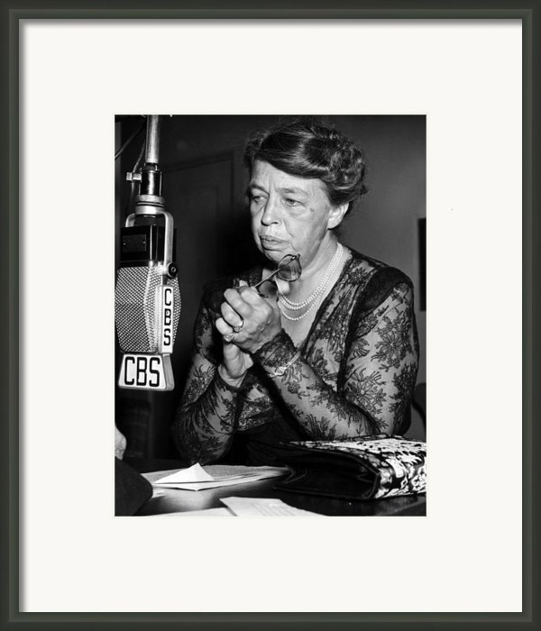 Former First Lady Eleanor Roosevelt Framed Print By Everett