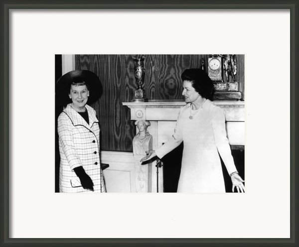 Former First Lady Mamie Eisenhower Framed Print By Everett