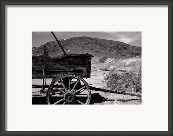From The Good Old Days Framed Print By Susanne Van Hulst