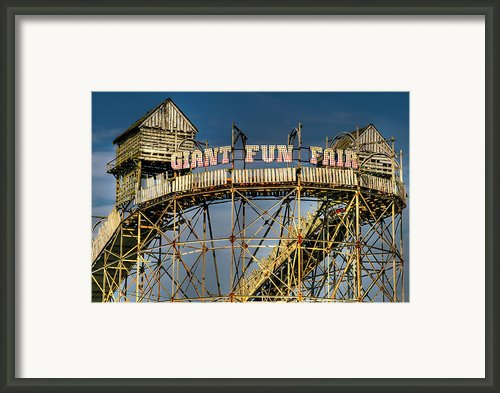 Giant Fun Fair Framed Print By Adrian Evans