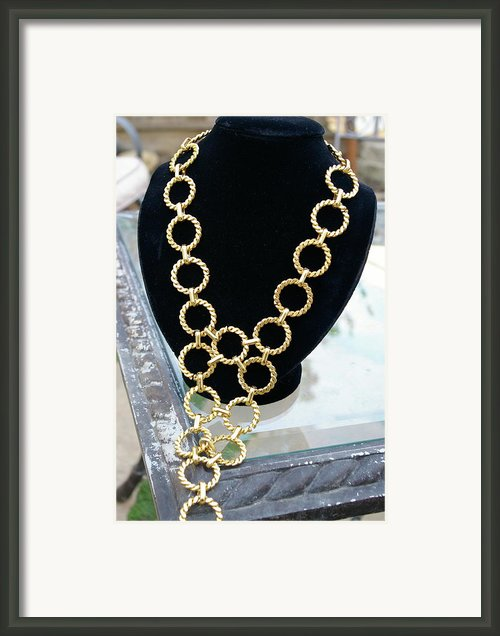 Gold Daisy Chain Framed Print By Susan Geluz
