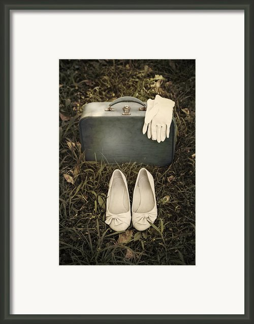 Goodbye Framed Print By Joana Kruse