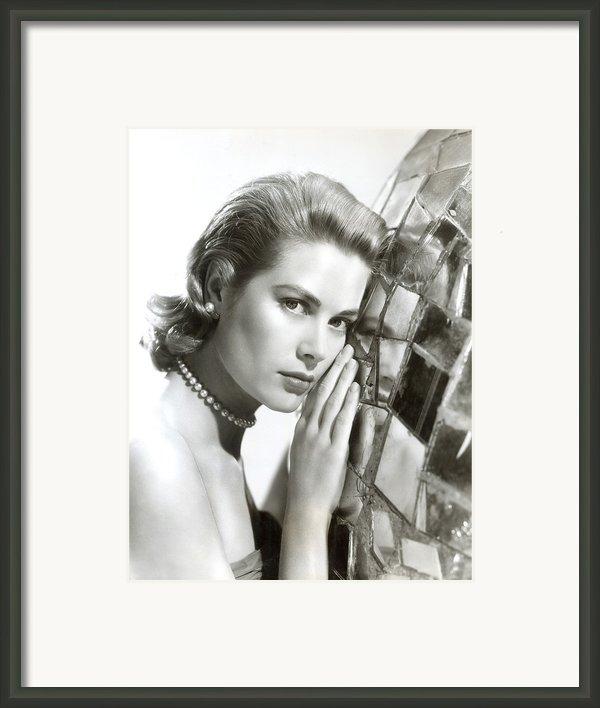 Grace Kelly, 1954 Framed Print By Everett