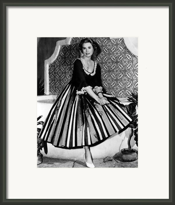 Green Fire, Grace Kelly, 1954 Framed Print By Everett