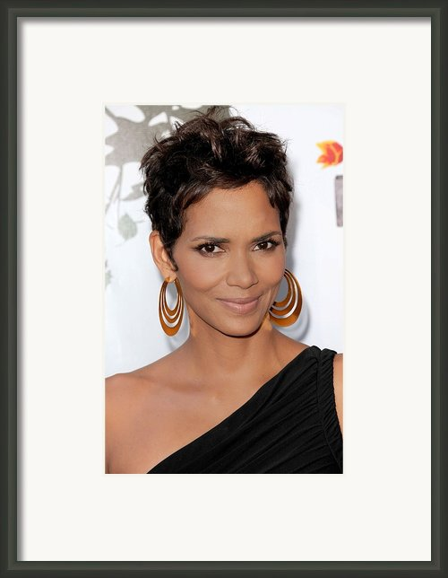 Halle Berry At Arrivals For 2011 Annual Framed Print By Everett