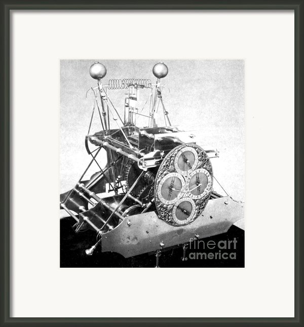 Harrisons First Marine Timekeeper Framed Print By Photo Researchers