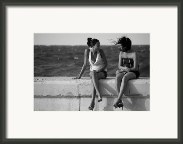 Havana Beauties Framed Print By Peter Verdnik