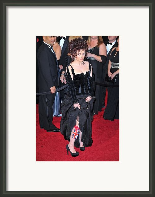 Helena Bonham Carter Wearing A Colleen Framed Print By Everett