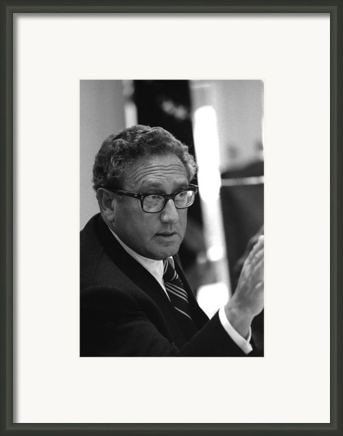 Henry Kissinger In A Meeting Following Framed Print By Everett