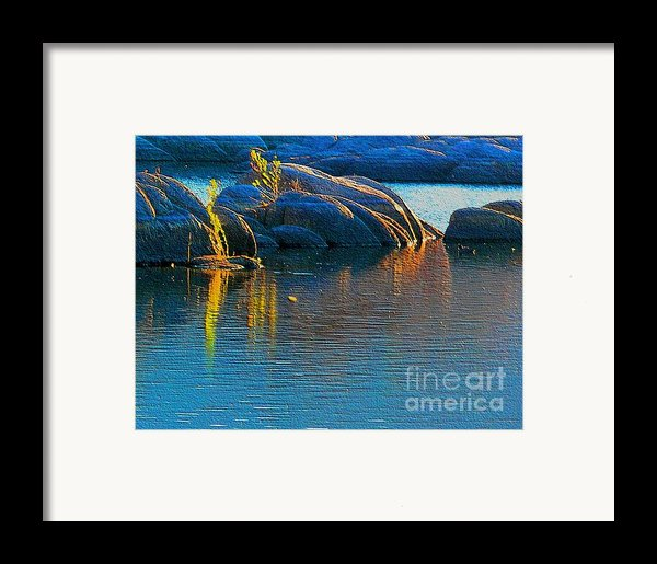 Here Comes The Sun Framed Print By Robert Hooper