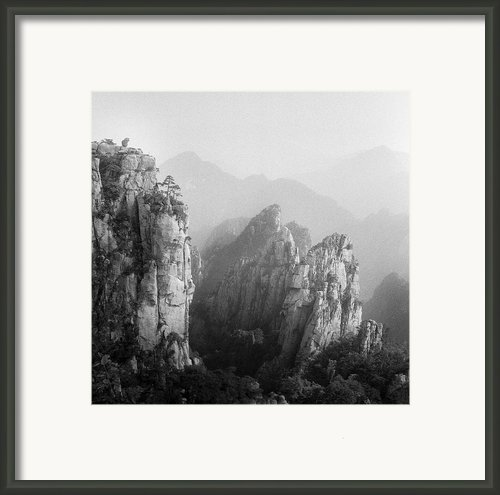 Huangshan Peaks Framed Print By Vincent Boreux Photography