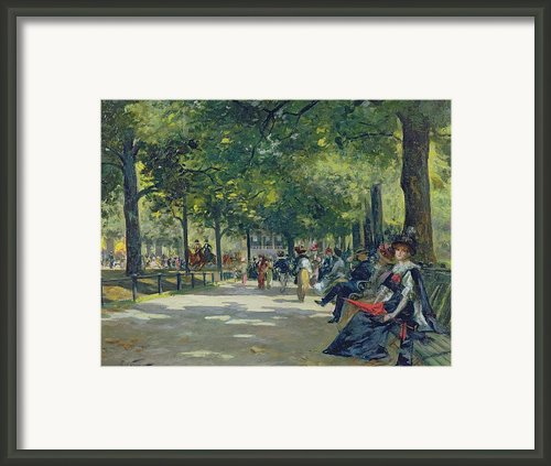 Hyde Park - London  Framed Print By Count Girolamo Pieri Nerli