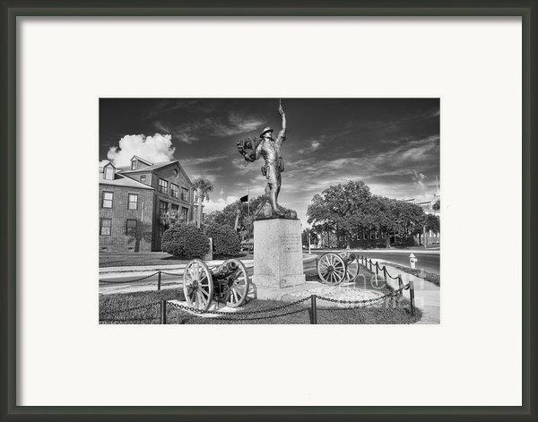 Iron Mke Statue - Parris Island Framed Print By Scott Hansen
