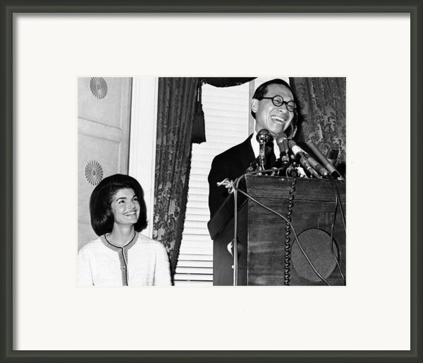 Jacqueline Kennedy And Architect Ieoh Framed Print By Everett