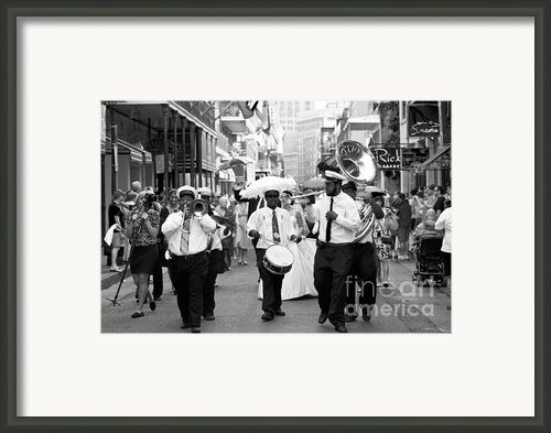 Jazz Wedding Framed Print By Leslie Leda