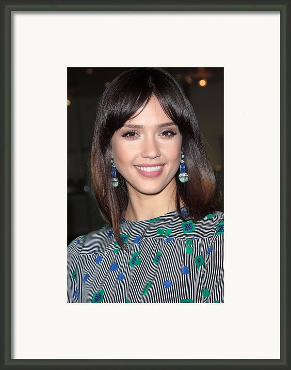 Jessica Alba Wearing Vintage Earrings Framed Print By Everett
