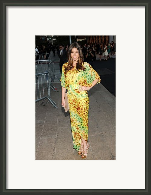 Jessica Biel Wearing Diane Von Framed Print By Everett