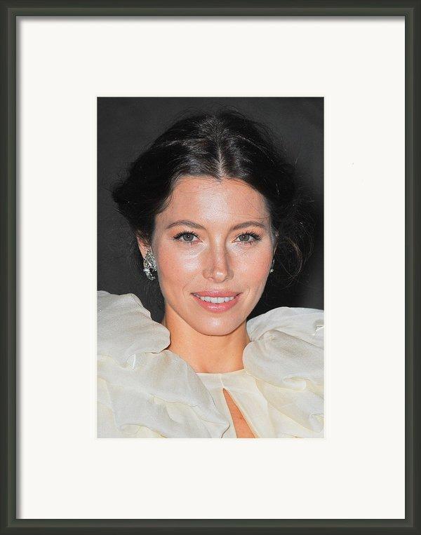 Jessica Biel  Wearing Fred Leighton Framed Print By Everett