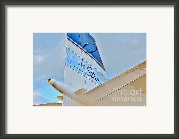 Jet Star Framed Print By Lynda Dawson-youngclaus