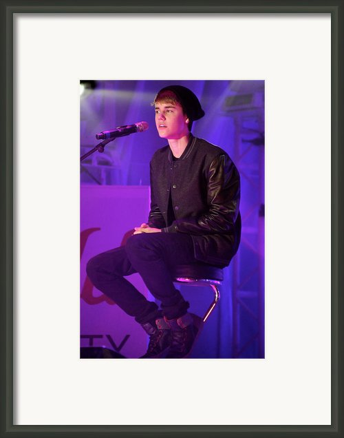 Justin Bieber 12 Framed Print By Jez C Self