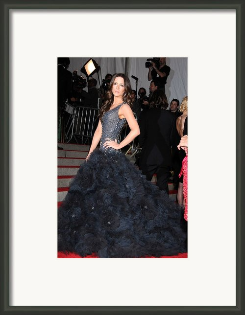 Kate Beckinsale Wearing A Marchesa Framed Print By Everett