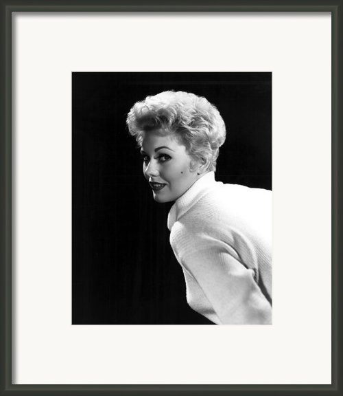Kim Novak, 1955 Framed Print By Everett