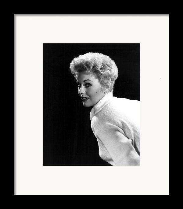Kim Novak, 1955 Framed Print By Everett