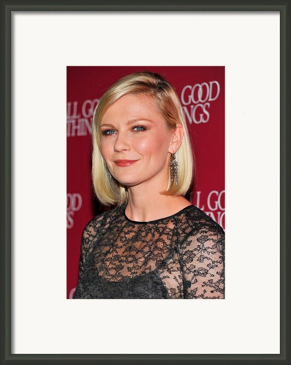 Kirsten Dunst  Wearing Fred Leighton Framed Print By Everett