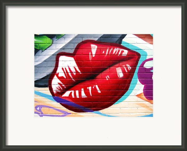 Kiss Me Now ... Framed Print By Juergen Weiss