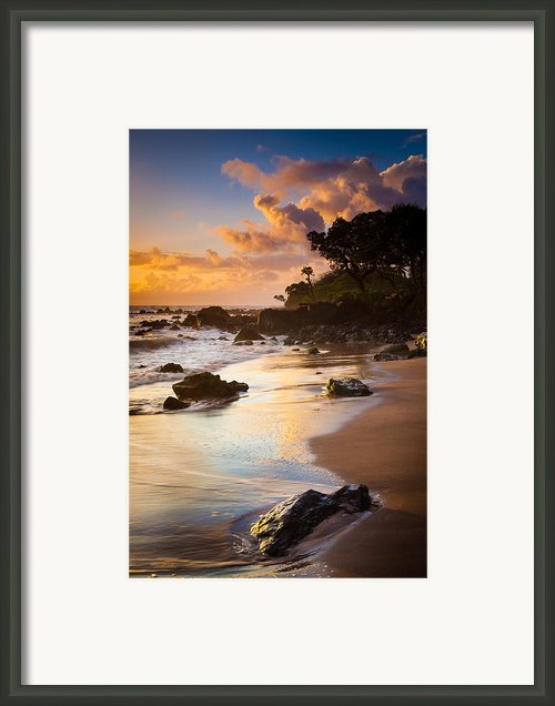 Koki Beach Sunrise Framed Print By Inge Johnsson